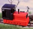 H0e - Dieselová lokomotiva Plymouth červené podvozky/černočervená kastle