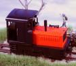 H0e - Dieselová lokomotiva Plymouth černo/červený design