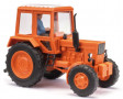 H0 - Traktor MTS-82 s figurkou